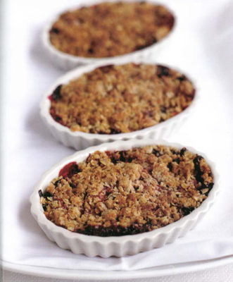 Spiced Berry and Pear Crisp
