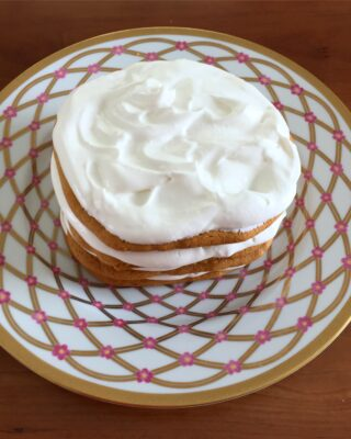 Sour Cream Honey Cake (Сметанник)
